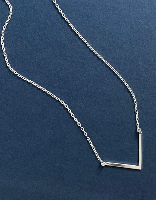 Orelia necklace with clean V in silver plate