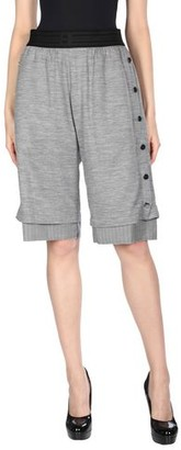 Baja East 3/4-length short