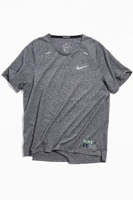 Nike Rise 365 Tee