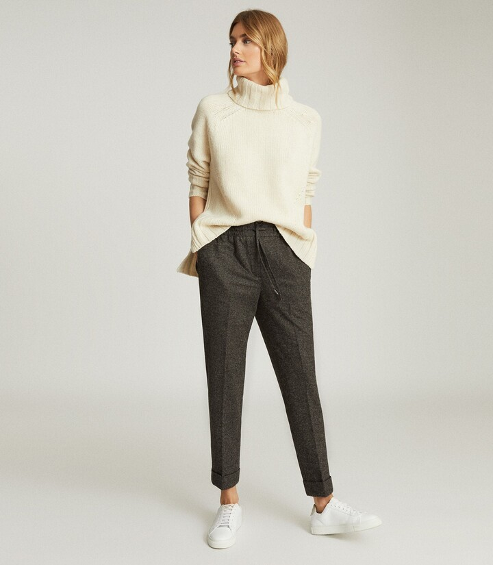 Reiss Maddie - Wool Blend Knitted Joggers in Grey