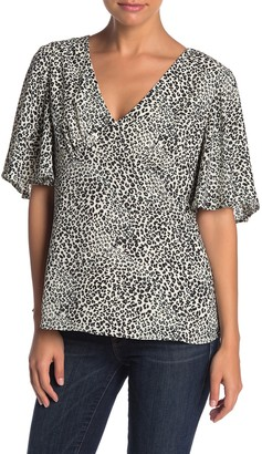 Nanette Nanette Lepore Leopard Print Flutter Sleeve V-Neck Blouse
