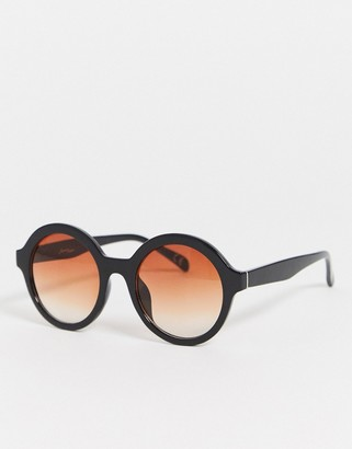 Jeepers Peepers oversized round sunglasses