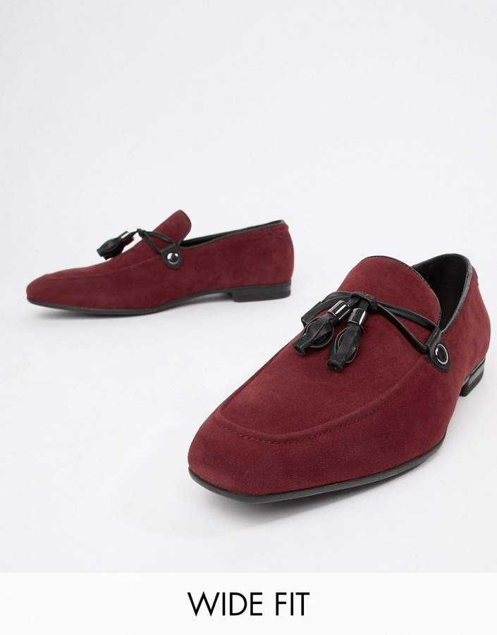 Asos Design DESIGN Wide Fit loafers in burgundy faux suede with tassel-Tan