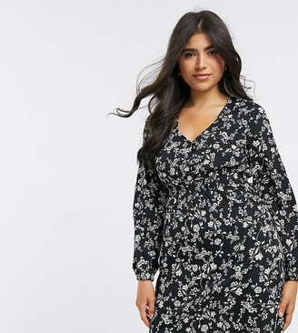 New Look Petite shirred waist dress in black ditsy floral