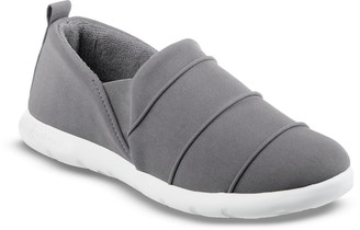 Isotoner Zenz From Women's Pintuck Closed Back Slip-ons