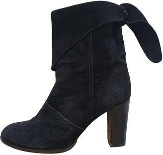 Marc Jacobs Black Suede Ankle boots