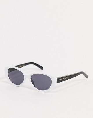 Marc Jacobs oversized frame retro sunglasses in white and black