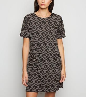 New Look Mela Geometric Print Shift Dress