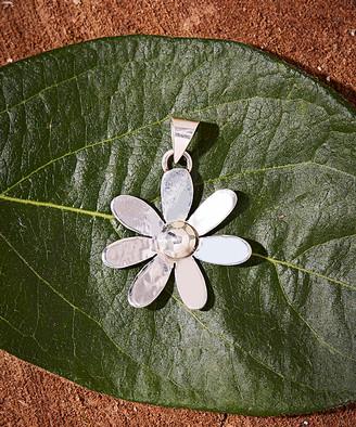 Moda Designs Women's Pendants SILVER - Sterling Silver Blossom Pendant