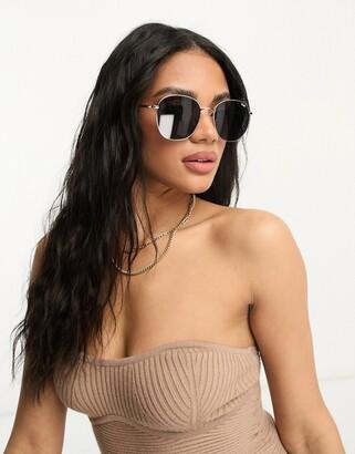 Quay Jezabell round sunglasses in gold/smoke