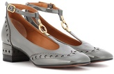 Chloé Perry patent leather pumps