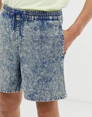 Asos Design DESIGN denim short shorts with elasticated waist in acid wash-Blue