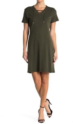 Carmen Carmen Marc Valvo Lace-Up T-Shirt Dress