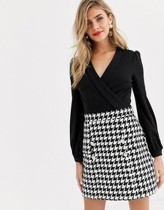 Lipsy 2 in 1 keyhole front aline dress in black dogtooth
