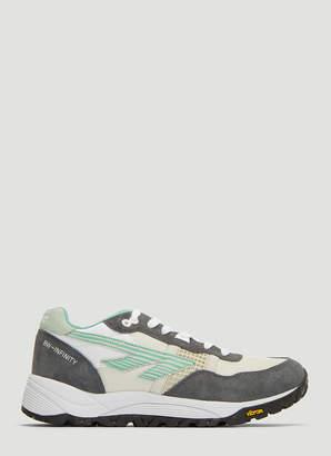 Hi-Tec HTS BW Infinity Sneakers in Grey