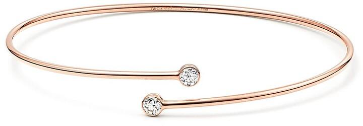 38a608c92dfd3 Elsa Peretti Diamond Hoop single-row bangle in 18k rose gold with diamonds  - Size Medium