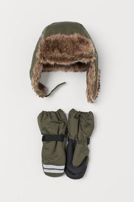 H&M Hat and ski mittens
