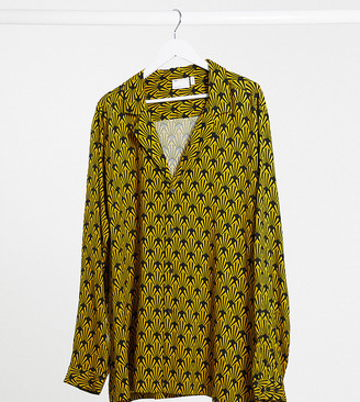 ASOS DESIGN Plus regular fit deep revere shirt in monogram gold and black print