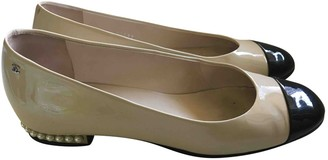 Chanel Ecru Patent leather Ballet flats