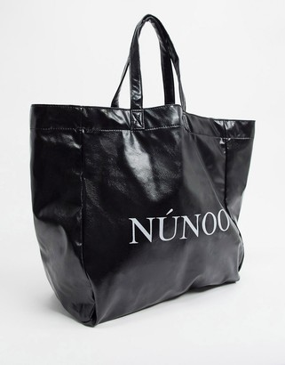 Nunoo veggie PU logo tote bag in black
