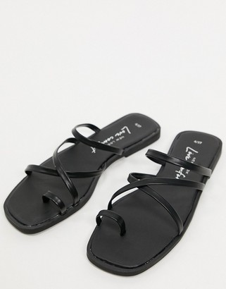 New Look strappy toe loop flat sandals in black