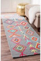 nuLoom Contemporary Handmade Wool/ Viscose Moroccan Triangle Grey Runner Rug (2'6 x 10')
