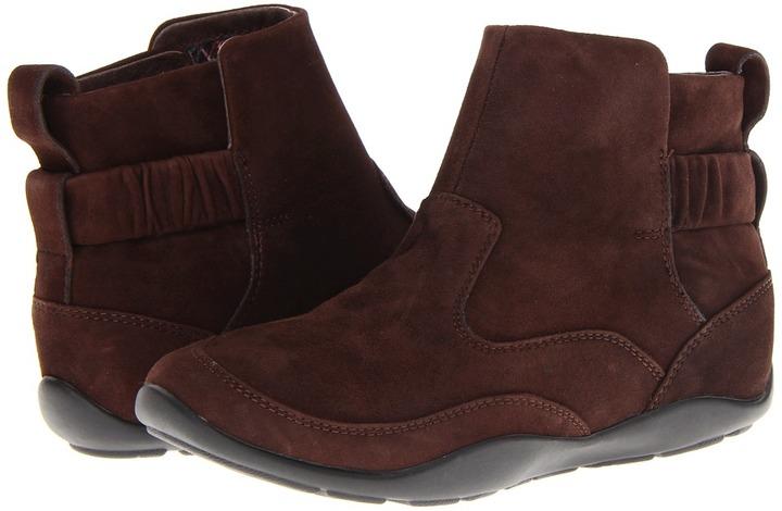 Dansko Colby (Chocolate Kid Suede) - Footwear