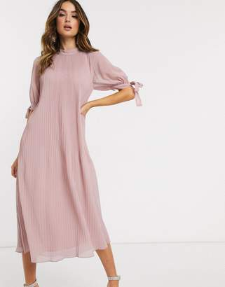 Asos Design DESIGN pleated trapeze midi dress with tie sleeves-Pink