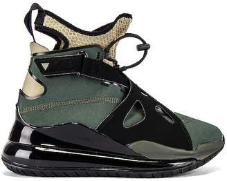 Jordan Air Latitude 720 Sneaker