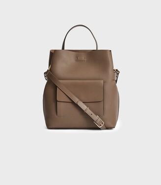 Reiss Freya - Leather Tote Bag in Mid Grey