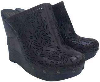Diane von Furstenberg Brown Leather Mules & Clogs