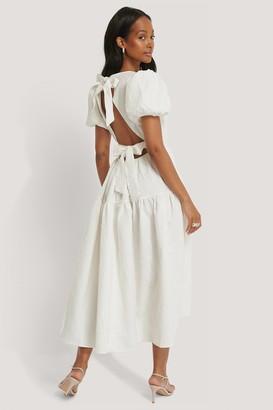 NA-KD Tie Back Flower Structured Dress