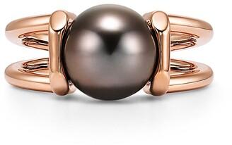 Tiffany & Co. City HardWear Tahitian black pearl ring in 18k rose gold