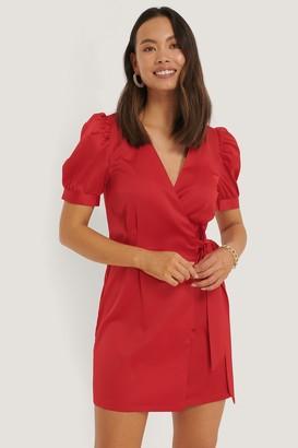 NA-KD Short Puff Sleeve Mini Dress