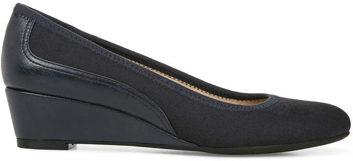 LifeStride Core Hera Slip-On Pumps
