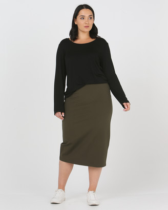 Advocado Plus - Women's Green Cropped Pants - Essentail Pencil Skirt - Size One Size, 16 at The Iconic