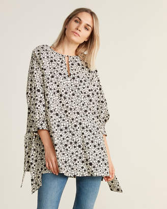 Hache Floral Print Three-Quarter Sleeve Slit Hem Blouse