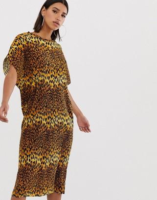 Asos DESIGN leopard print midi t-shirt dress