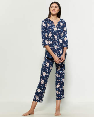 Company Ellen Tracy Two-Piece Navy Floral Print Top & Pants Pajama Set