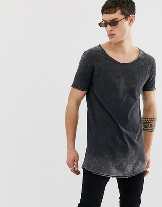Asos Design DESIGN relaxed super longline t-shirt with scoop neck and curved hem in acid wash-Black