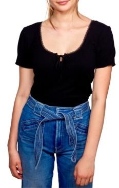 Self Esteem Juniors' Lace-Trim Cropped Keyhole Top