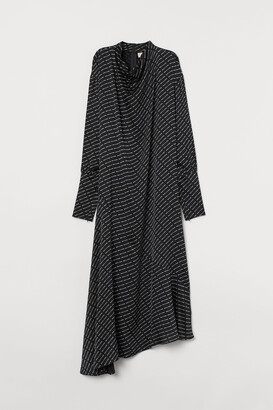 H&M Dress with a draped collar
