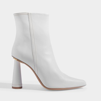 Jacquemus Les Bottes Toula Ankle Boots In White Leather