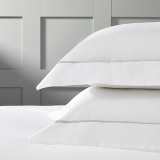 The White Company Savoy Oxford Pillowcase with Border - Single, White Silver, Large Square