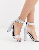 Glamorous heels with diamante buckle