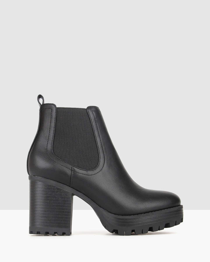 betts Edge Chunky Ankle Boots