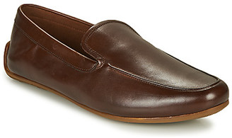 Clarks REAZOR PLAIN men's Loafers / Casual Shoes in Brown