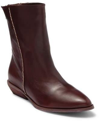 Antelope Contrasting Stitching Boot