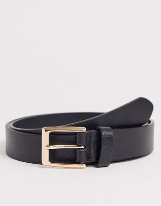 Asos Design DESIGN faux leather slim belt in black saffiano emboss and gold buckle