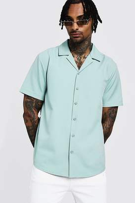 boohoo Smart Relaxed Fit Revere Shirt In Short Sleeve